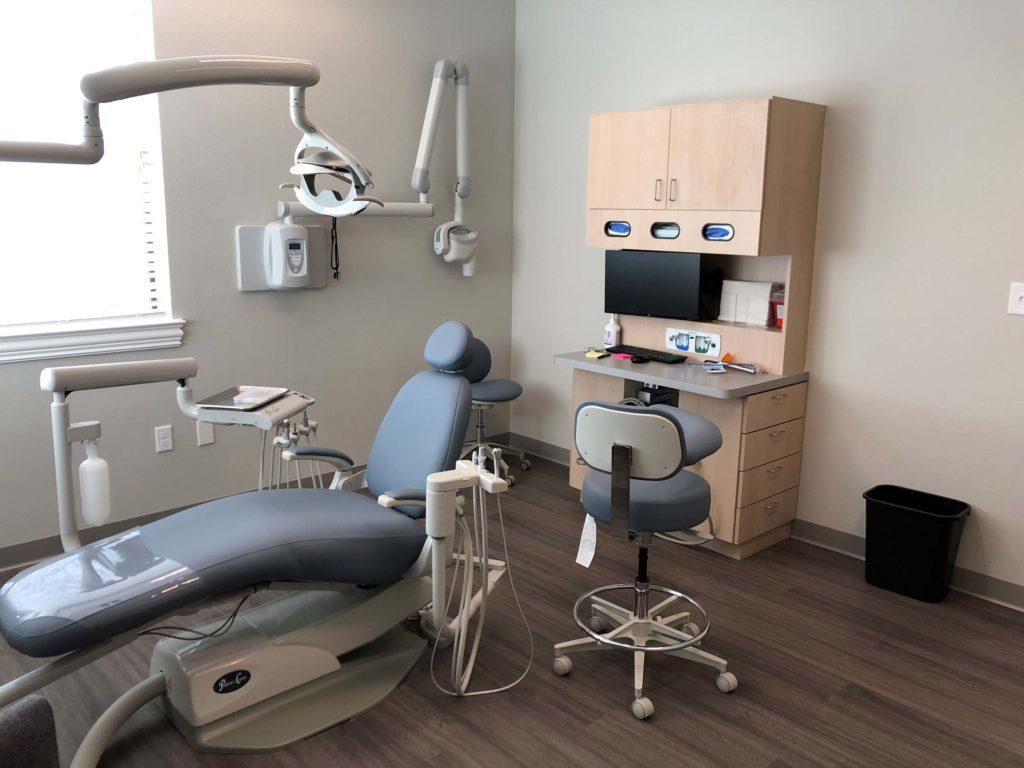 Heath-pediatric-dentistry-office-treatment-room